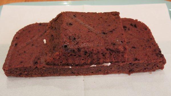 עוגת יום הולדת בצורת מכונית - שלב 5