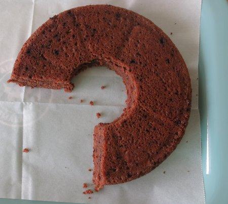 עוגת יום הולדת בצורת המספר 5 - שלב שלישי
