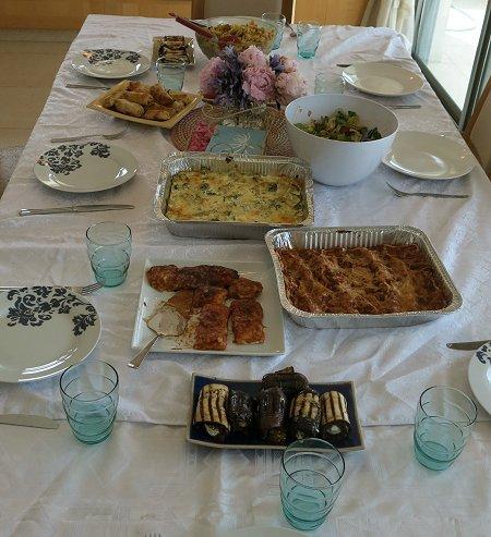 שולחן ארוחת חג שבועות