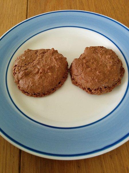עוגיות שוקולד ושקדים ללא קמח