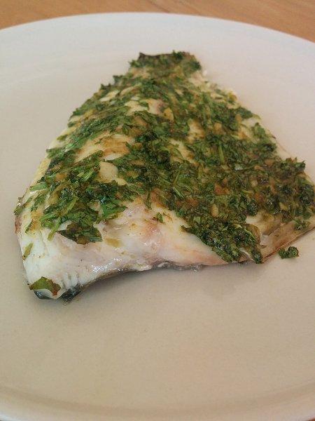 פילה דג אמנון בכוסברה, כמון ושום