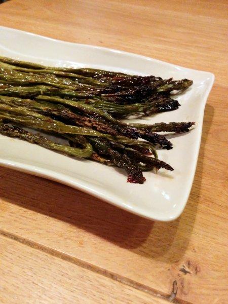 אספרגוס בתנור ברוטב סויה, צ'ילי מתוק ושום