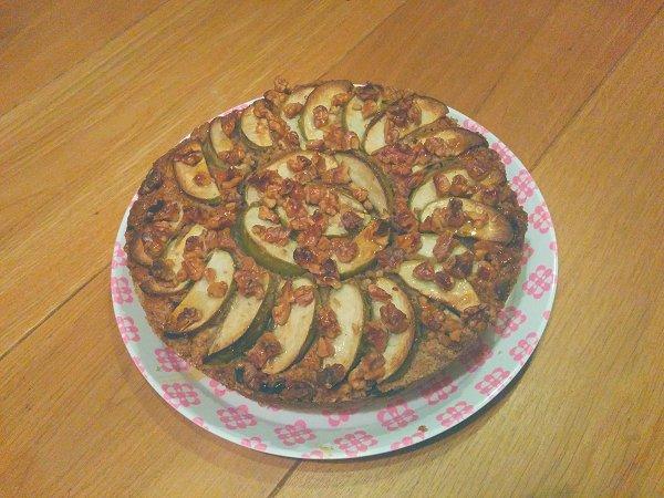 עוגת תפוחים, תמרים ואגוזים