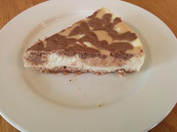 עוגת גבינה מנומרת שוקולד-ריבת חלב