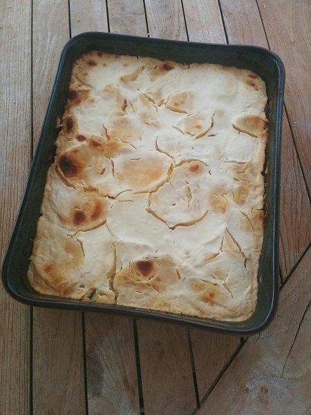 רקוט קרומפלי: מאפה הונגרי של תפוחי אדמה, ביצים קשות ושמנת חמוצה