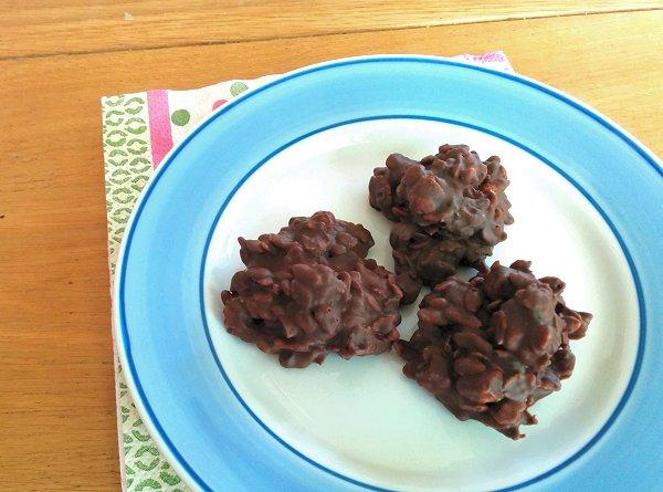 עוגיות שוקולד, פצפוצי אורז, מיני מרשמלו וחמאת בוטנים