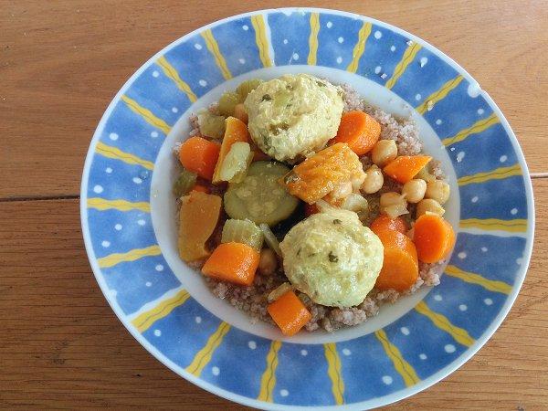 קוסקוס עם ירקות וכדורי עוף